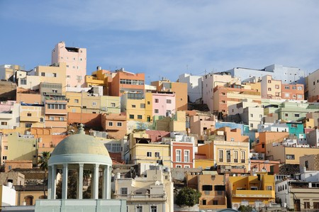 gran canaria: Kleurrijke huizen in Las Palmas de Gran Canaria, Spanje