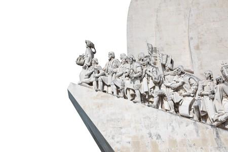 descubridor: Monumento a los descubrimientos en Lisboa, Portugal. Aislados sobre fondo blanco