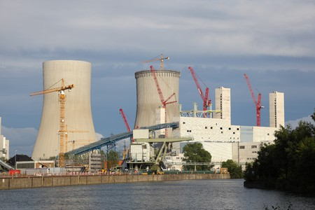nuclear energy: Nuclear power station on the river bank