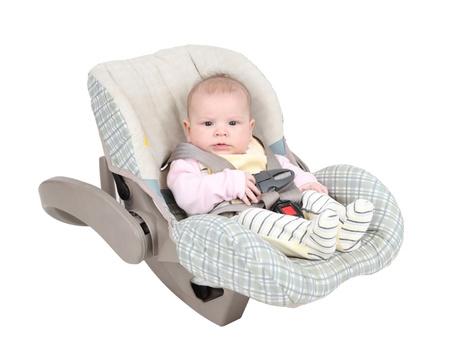 car seat: Bambino in seggiolini isolato su sfondo bianco