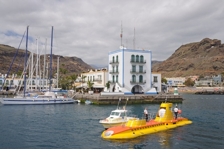 grand canary: Yellow submarine in Puerto de Mogan, Grand Canary Island, Spain. Photo taken at 16th of April 2010