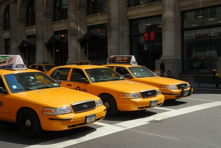 a yellow taxi: Yellow Taxi cabs in New York City. Photo taken at 18th of April 2008