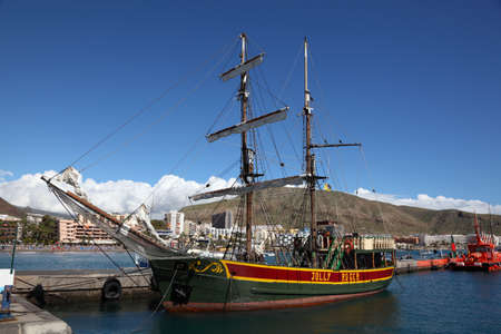 Sailing Ship Jolly Roger in the harbour of Los Cristianos, Tenerife Spain. Photo taken at 5th of March 2011 Stock Photo - 9272296