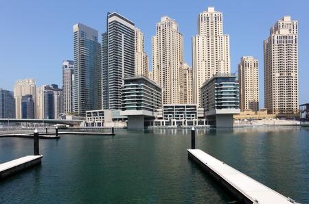 jachthaven: Nieuwe hoogbouw in Dubai Marina, Verenigde Arabische Emiraten Stockfoto