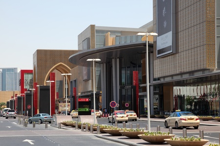 Main Entrance to the Dubai Mall. Photo taken at 27th of Mai 2011