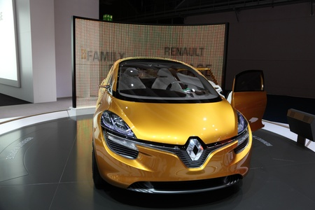 64th iaa: FRANKFURT - SEPT 24: The Renault R-Space Concept Car at the 64th IAA (Internationale Automobil Ausstellung) on September 24, 2011 in Frankfurt, Germany Editorial