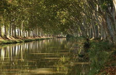du ร    ก ร: Canal du Midi near Beziers, southern France Stock Photo
