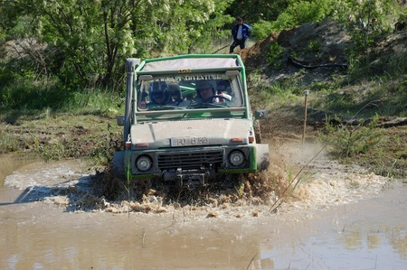 fourwheeldrive: Suzuki SJ jeep at offroad rally competition
