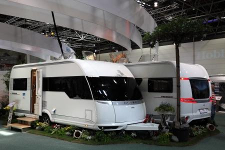 Dusseldorf   27 agosto: moderne case mobili al caravan salon 2012 ...