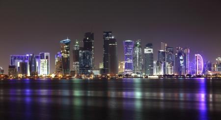 Doha Skyline bei Nacht, Qatar, Middle East