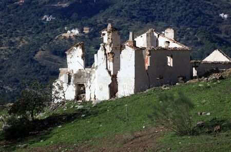 abandoned farmhouse abandoned farmhouse: Abandoned farmhouse in Andalusia, southern Spain