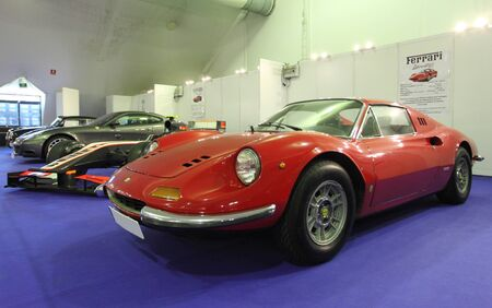 gt: Ferrari Dino GT al Salone Ferrari a Estepona. 29 Luglio 2013, Andalusia Spagna