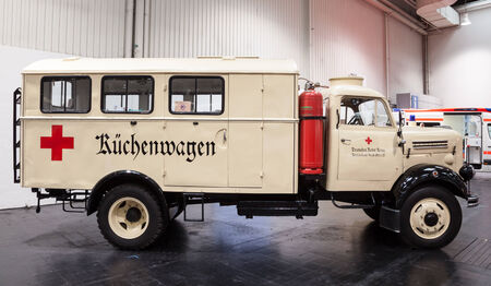rood kruis: Historic Red Cross Kitchen Truck at the 65th IAA Commercial Vehicles Fair 2014 in Hannover, Germany