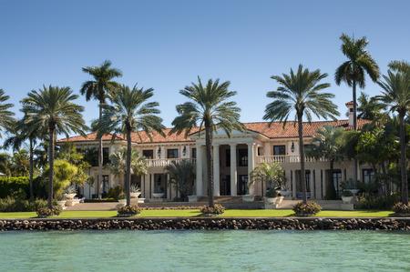 millonario: Una mansión de lujo en la isla de la estrella en Miami, Florida, EE.UU.