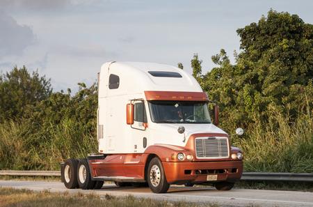 freightliner: Freightliner Century Class semi-trailer truck