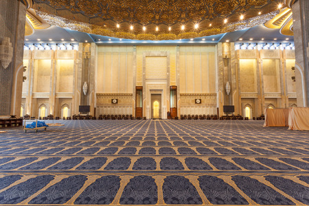 blue mosque: Main prayer hall inside of the Grand Mosque in Kuwait City, Middle East