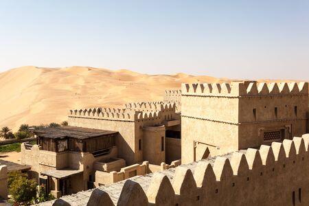 united arab emirate: Desert resort in Emirate of Abu Dhabi, United Arab Emirates