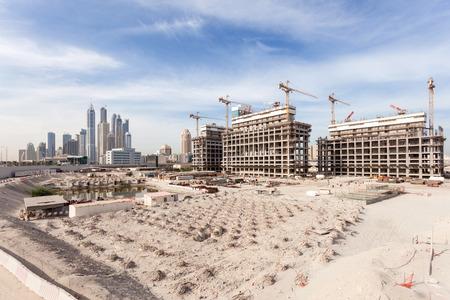 ドバイ、アラブ首長国連邦の都市の建設現場