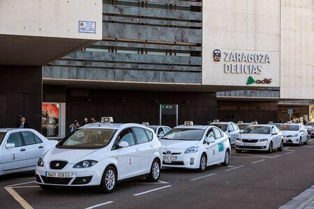 zaragoza: ZARAGOZA, SPAIN - MAY 26: Taxis in front of the main train station Zaragoza Delicias. May 26, 2015 in Zaragoza, Spain