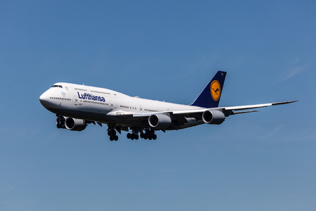 FRANKFURT MAIN - JULY 10: Boeing 747-8 airplane of the german airline Lufthansa which is based in Frankfurt. July 10, 2015 in Frankfurt Main, Germany Редакционное