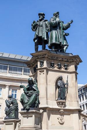 gutenberg: FRANKFURT - JULY 10: Statue of Johannes Gutenberg, inventor of book printing in Frankfurt. July 10, 2015 in Frankfurt Main, Germany