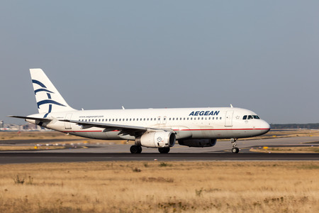 frankfurt germany july 17 airbus a320 of the aegean airlines rh 123rf com Airbus A380 United Airbus A320
