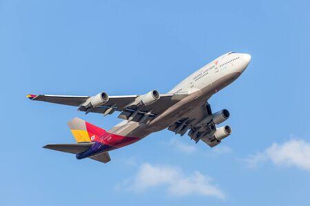 747 400: