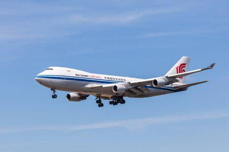 747 400: Francoforte, Germania - 26 luglio: Air China Cargo Boeing 747-400 F atterraggio presso l'aeroporto internazionale di Francoforte (FRA). 26 luglio 2015 a Francoforte sul Meno, Germania