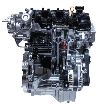 alternateur: Coupe transversale d'un moteur moderne de voiture trois cylindres isolé sur blanc
