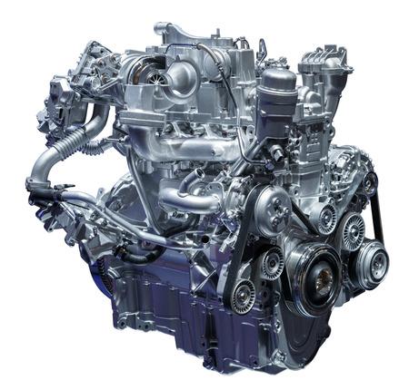 Moderne compacte turbo diesel motor van de auto op wit wordt geïsoleerd