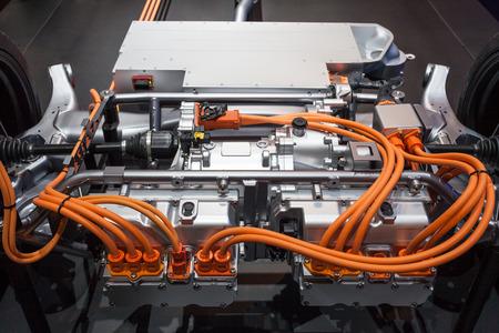 cables electricos: La transmisión de un vehículo híbrido plug-in moderna Foto de archivo