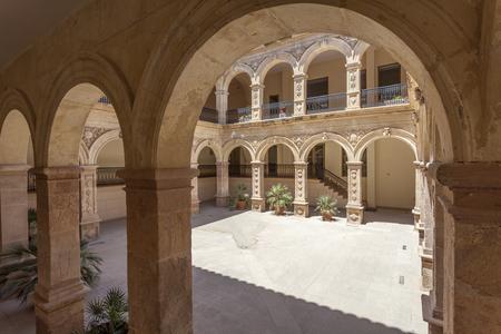 ラ マーセド ロルカの古い町で建物の歴史的な修道院。スペイン、ムルシア州