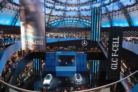 フランクフルト、ドイツ - 9 月 20、2017: メルセデス ベンツ ホール フランクフルト国際モーター ショー 2017 報道画像