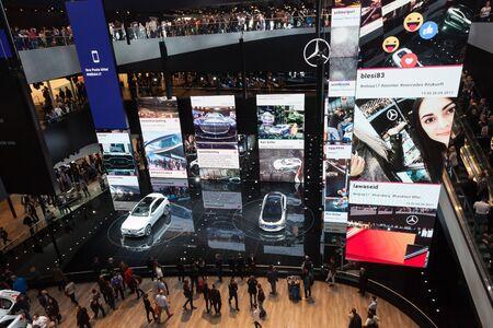 ドイツ、フランクフルト-9 月20日、2017: フランクフルト国際モーターショーのメルセデスベンツホール2017 報道画像
