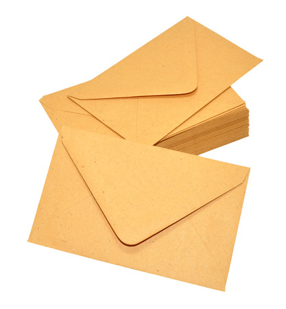 Group of brown manila postal envelopes isolated on a white background Standard-Bild