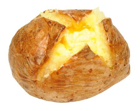 papas: Patatas recién horneado con mantequilla de fusión aislado en un fondo blanco