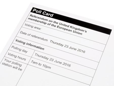 encuestando: Reino Unido Unión Europea tarjeta de referéndum de votación para decidir si el Reino Unido va a permanecer o salir de la UE