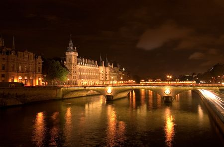 paris at night: The River Seine - Paris Stock Photo