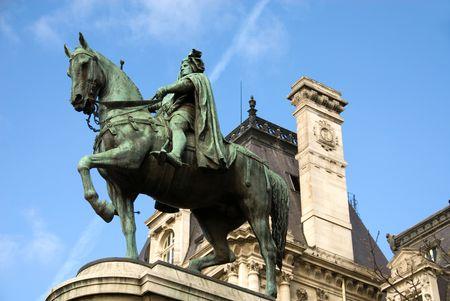 ville: The bronze statue of Etienne Marcel proudly standing beside the Hotel de Ville, Paris, France Stock Photo