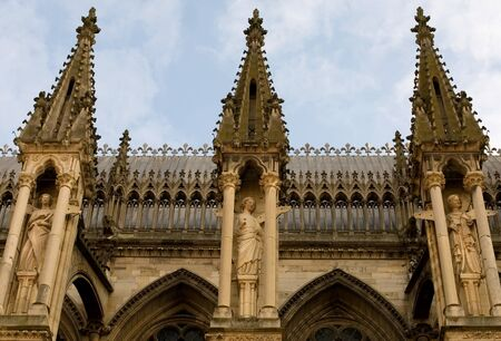 reims: Statues along the side wall of Reims Cathedral, France Stock Photo