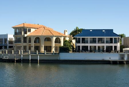 Luxury homes on a waterway, Surfers Paradise, Queensland, Australia Stock Photo - 11025645