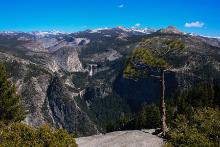 A view to the Half Dome from Glacier point