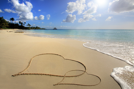 In the Carribean, Two hearts on sand