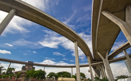 tollway: elevated express way