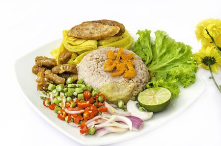 Rice Seasoned with Shrimp Paste Recipe.This is an ancient Thai menu. Which has all the benefits from nutrients Suitable for health lovers.