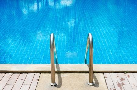 бассейн: Плавательный бассейн