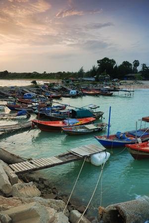タイ王国ラヨーンで漁師村状態