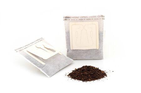 Drip koffie en thee isoleren op wit