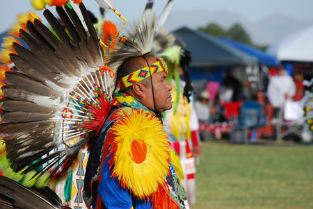 Scottsdale, AZ, USA - November 1, 2014: 28th Annual Red Mountain Eagle Pow Wow celebrated at the Salt River Pima - Maricopa Indian Community. Nations from all over the US and Canada danced and sang. Editorial use. Taken 1112014 新聞圖片