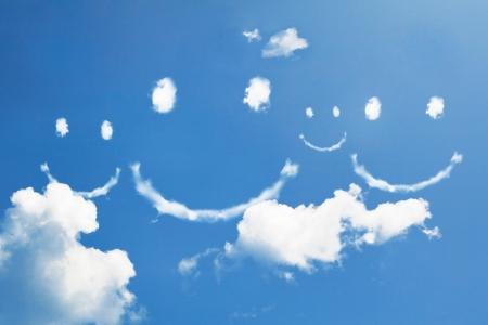Cloud glimlach op sky